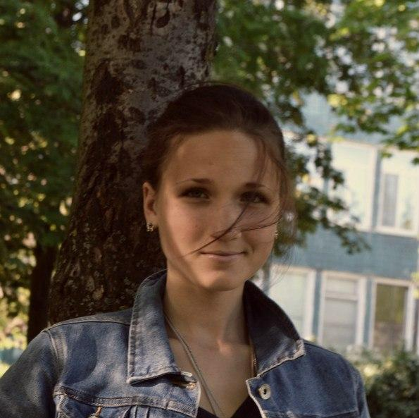 Катя Златова